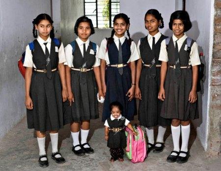 Jyoti Amage, 15 (centre)
